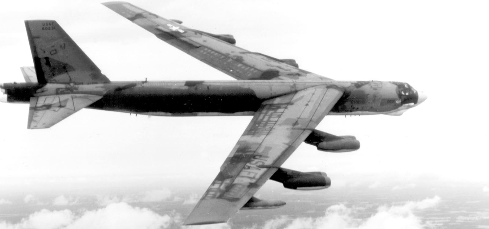 B-52 Stratofortress, 1955